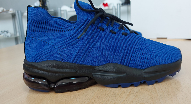 NEW INNOVATION- SHOES MADE FROM 100% recycled plastic bottles mobiente